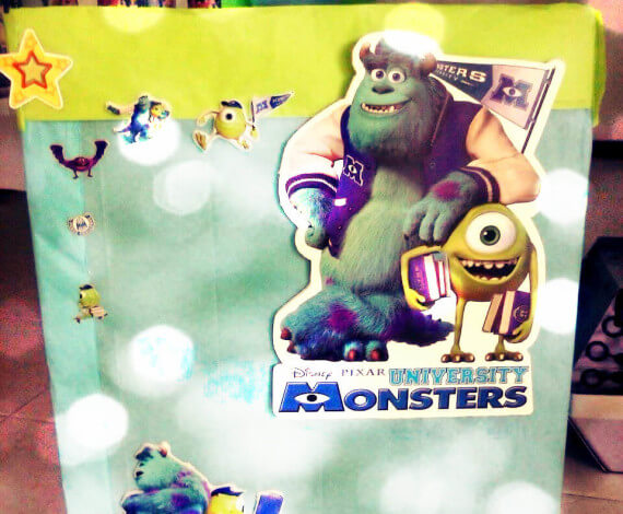 Caja de regalos Monster University