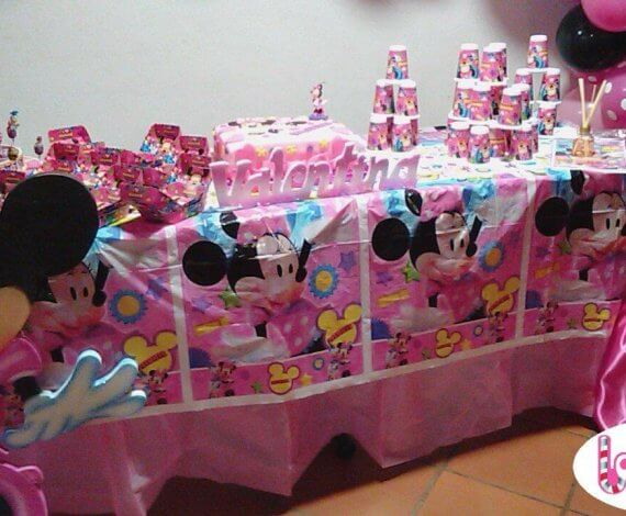 Aplique y piñata de Minnie Mouse