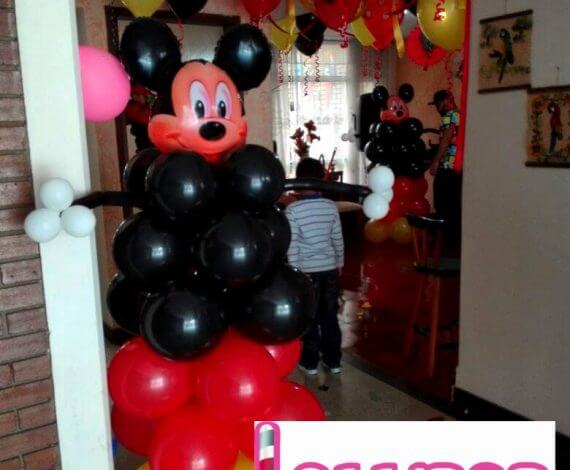 Mickey Mouse en globos